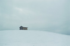 Cabane (leniners) Tags: 2018 france rhone silbersalz35 leica m6 leicam6 bully neige snow
