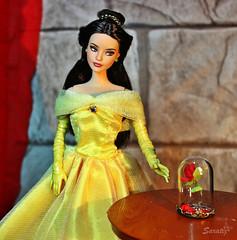 Photocontest BCP in un mondo animato: Belle (saratiz) Tags: belle beautyandthebeast yellow rose redrose cartoon disney