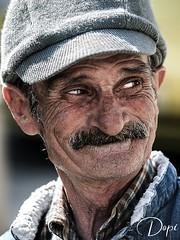 4/365_Retrato robado (Dopior) Tags: hombre sociales