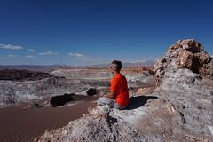 The Valley of the Moon (Valle de la Luna), San Pedro de Atacama, the Atacama Desert, Chile. (ER's Eyes) Tags: valledelaluna valedalua thevalleyofthemoon highlands altiplano altiplanoschilenos tierrasaltaschilenas chileanhighlands volcano vulcão montanha mountain neve snow chile sanpedrodeatacama spa desertodoatacama atacama atacamadesert desiertodeatacama desert deserto desierto nortrek nortrekatacama carlosmellasepulveda emmanuel argentiniantravelguide tour passeio sharedtour passeiocompartilhado hostalsumajjallpa albergue hostal sernatur southamerica americadosul nature natureza landscape paisagem unesco northofchile theandes cordilheiradosandes salardeatacama emmanuelourfineargentiniantravelguide comunidadatacameñadesolor cordilleradesal saltmountainrange thelosflamencosnationalreserve formaçõesrochosas rockformations lunarsurface dunas dunes cliff precipício