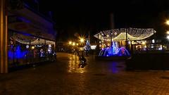Fougères By Night  le 1er janvier 2019     . . . (Daniel.35690) Tags: fougères janvier 2019 bretagne lamèreetlenfant lombreetlalumière lumière reflets miroir silhouette