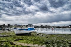 IMGP1160 (lionel.perrot) Tags: ploumanach graphique bretagne granit rose nuage plage grève bateau ciel port mer reflet bouée algue