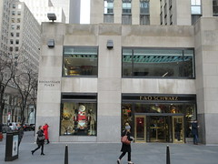 New Location FAO Schwarz Toy Store 30 Rock NYC 9601 (Brechtbug) Tags: new location fao schwarz toy store rockefeller plaza entrance across from today show nbc studio 5th avenue 50th street york city 01102019 nyc 2019 open crowd tourist tourists midtown manhattan schwartz front facade