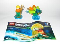 lego 71237 lego dimensions fun pack dc comics aquaman minifigure and aqua watercraft a (tjparkside) Tags: 71237 aquaman watercraft trident aqua seven seas speeder fire lego dimensions fun pack 3 1 minifigure minifigures misb 2016 videogame software dc comics