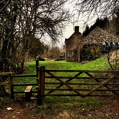 Country Cottage (Oxford Murray) Tags: sundaymorning walking countrylife cottage gloucestershire cotswolds countryside oxfordmurray beautiful