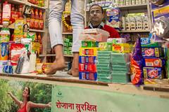 Home care shop - Negozio di articoli per la casa (Roberto Bruschi) Tags: india jaipur chandnichowk iofotografo iofotografocommunity iofotografoindia market shopping homecare shop ngc