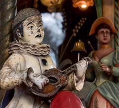 Lyon - Parc de la Tête d' Or. Détail du manège pour enfants. Pierrot. (Gilles Daligand) Tags: lyon rhône manège parctêtedor pierrot merrygoround artforain