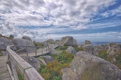 (029/19) Entre rocas y mar (Pablo Arias) Tags: pabloarias photoshop ps capturendx españa photomatix nubes cielo roca madera pasarela paseo sanvicentedomar ogrove pontevedra