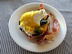 Egg Benedict (knightbefore_99) Tags: mexico mexican oaxaca desayuno breakfast art food huatulco tasty best delicious egg benedict bacon tocino nice great sauce