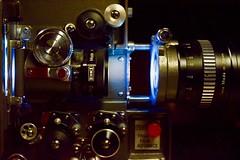 Eiki EX-6100 avec lentille anamorphique (Jean-Pierre Bérubé) Tags: eiki jeanpierrebérubé jpdu12 flickrfriday madeinjapan fabriquéaujapon japon projecteur 16mm lentille lens light lumière nikon d5300