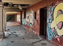 """jlvill 175  El corredor de """"Atila""""  💣 (jlvill) Tags: ruinas abandonos vandalismo 1001nights 1001nightsmagiccity"""