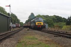 D832 (matty10120) Tags: train railway rail travel tranport clas transport class great central diesel gala rothley 2018 45 42