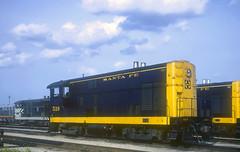AT&SF F-M H12-44 519 (Chuck Zeiler 64) Tags: atsf fm h1244 519 railroad fairbanksmorse locomotive corwith chicago train chuckzeiler chz