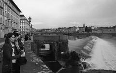 Solo e semplicemente acqua (michele.palombi) Tags: florence arno river tuscany analogic 35mm film 400asa