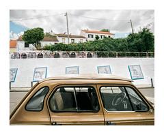 Montargil, Portugal (Sr. Cordeiro) Tags: montargil portugal carro car old velho antigo rua street azulejos tiles tilework panasonic lumix gx80 gx85 1232mm