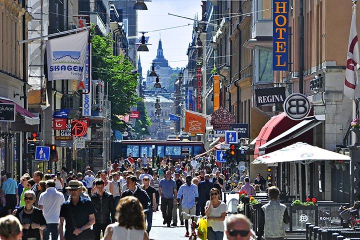 9d605cd0de04 Drottninggatan Crowds (AntyDiluvian) Tags: sweden stockholm 2013 june2013  drottninggatan queenstreet shop store pedestrianmall