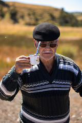 Mi abuelo con su mate (Nimbostratus97) Tags: 50mmf18 abuelo grandfather mate cebado rilan chiloe