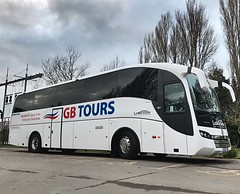 Lakeside Coaches of Ellesmere Sunsundegui Volvo SC7 GB17 OUR in GB Tours livery - Hayling Island 12/2/19 (PaulPowys) Tags: 12219 bus lakesideofellesmere ellesmere haylingisland sunsundegui sc7 coach volvo gb17our gbtours lakesidecoaches