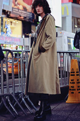 Nicolas, NYC (TheJennire) Tags: photography fotografia foto photo canon camera camara colours colores cores light luz young tumblr indie teen adolescentcontent people portrait coat 2018 nyc newyork unitedstates 50mm malemodel ootd outift winter ny curlyhair fashionmodel