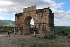 2019-012826 (bubbahop) Tags: 2019 moroccotrip meknes morocco roman ruins volubilis archaeological site triumphal arch