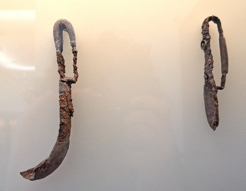 Iron strigils from the polyandrion of the Thebans at Chaironeia (2)