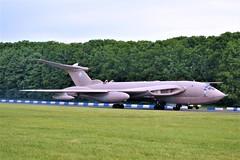 Victor Fast Taxy (Gerry Rudman) Tags: handley victor k2 xm715 bruntingthorpe cold war jets