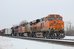 Railfanning In Neenah (recekasten) Tags: neenah wiscosin railroads trains cn up bnsf cefx railroading