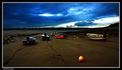 Les Barques...... (faurejm29) Tags: faurejm29 canon sigma sea seascape sky ciel paysage plage beach barque