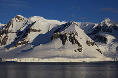 IMG_6890 (y.awanohara) Tags: cuvervilleisland cuverville antarctica antarcticpeninsula icebergs glaciers blue january2019