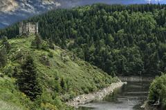 Cantal région Auvergne-Rhône-Alpes ( photopade (Nikonist)) Tags: alleuze cantal castle château châteaufort paysage architecture arbres auvergnerhônealpes affinityphoto afsdxvrzoomnikkor1685mmf3556ged nikond200 nikon rivière ciel