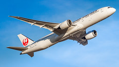 Boeing 787-9 Dreamliner JA866J Japan Airlines (William Musculus) Tags: plane airplane spotting aviation airport fra fraport eddf frankfurtmain frankfurt am main rhein ja866j japan airlines boeing 7879 dreamliner jal jl william musculus