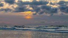 Heiter bis wolkig (wb.fotografie) Tags: nordholland denhelder nordsee strand wellen wolken wind
