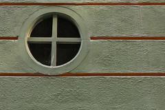 Con ojo  EXPLORE  February 11th, 2019 (Micheo) Tags: ventana window formasdemirar granada spain explore ok best o pared wall muro rayas