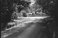 Illoura Road (photo 8) (Matthew Paul Argall) Tags: beirettevsn 35mmfilm kentmere100 100isofilm blackandwhite blackandwhitefilm road street illouraroad