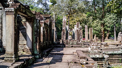 Bayon, Temple in Siem Reap (KH) (Lцdо\/іс) Tags: bayon temple siemreap cambodge cambodia historic archaeological ruines rock kambodscha kampuscha khmer travel trip discover explore voyage asia asian asie asiatique lцdоіс