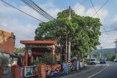 old house & Street (Ache_Hsieh) Tags: old house street taiwan hsinchu 台灣 新竹 新埔 tree fujifilm xh1 xf 1855mm f284 r lm ois
