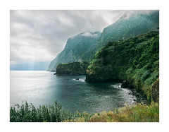 Seixal, Madeira (Sr. Cordeiro) Tags: seixal madeira ilha island portugal montanhas mountains nuvens clouds vista view praia beach panasonic lumix gx85 gx80 14140mm