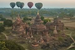 Vol au dessus d'un nid de pagodes (Patrick Doreau) Tags: vol flight balloon montgolfière pagodes bagan myanmar birmanie aube survol pagoda voyage trip