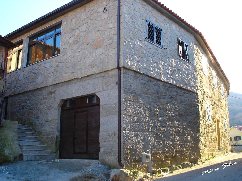 Águas Frias (Chaves) - ... uma casa restaurada na Aldeia ...