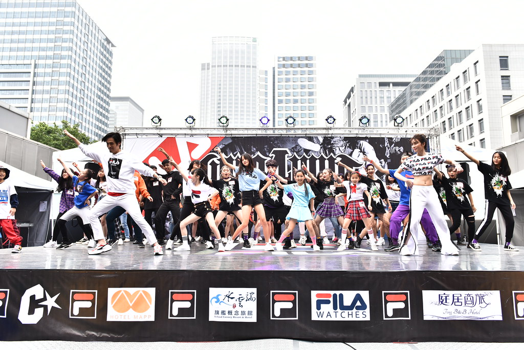 FILA X HERO 4 WHO國際街舞大賽的即播即跳項目讓韓國偶像團體的熱門金曲舞蹈忠實呈現