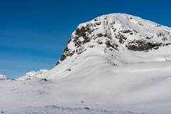 Iungsdalsnuten (hanschristian_nielsen) Tags: norge ski norway winter skarvheimen snow sky cloud mountain people skiing
