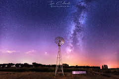 The Windmill (Iván Calamonte) Tags: extremadura spain night nocturna estrellas stars milkyway fotolúdica windmill molino sky skyscape nightscape longexposure nightphotography panoramic mars astrophotography core nightsky pollution light farm agricultura