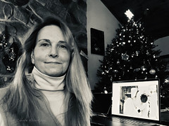 IMG_1888A - Soul behind the Camera (Athtart) Tags: week12019 startingtuesdayjanuary012019 52weeksthe2019edition self carole monochrome 2019 january horsham christmas people portrait challenge 52 100xthe2019edition 100x2019 image1100