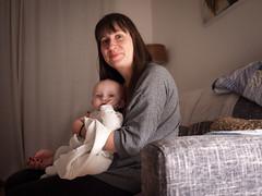 Pauline & Élise (Dahrth) Tags: gf1 lumix20mm microquatretiers baby bébé girl mother mère maman