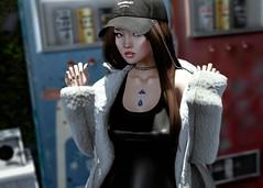 Gotta Go (Jangsungyoung Resident) Tags: second life fashion events toksik amitomo spectacledchic vobe la baguette dox kustom9 kinky equal10