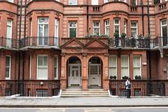 (Felix Cutillo) Tags: london uk chelsea bridge road sloane street square architecture brownstone brownsones united kingdom england