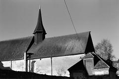 Ancienne chapelle de l'Hôtel-Dieu (Philippe_28) Tags: verneuilsuravre eure normandie france europe 27 colombage pansdebois 24x36 argentique analogue camera photography film 135 bw nb