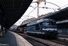 67556... (bb_17002) Tags: sncf station gare véhicule extérieur route chemin de fer locomotive nuit horizon crépuscule ville architecture locomotives bb67400 diesel paris bleue