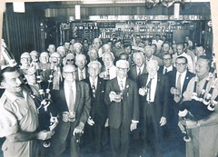 WW1 Gallipoli soldiers reunion at Enoggera, Brisbane - 1976 (Aussie~mobs) Tags: ww1 gallipoli rar australia aif army soldiers military reunion enoggera brisbane queensland 1976 lestweforget anzac