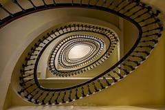 La escalera II (Chencho Mendoza) Tags: arquitectura modernismo acoruña galicia escalera